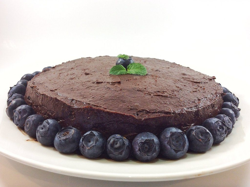 vegan chocolate cake - spinachcookie.com